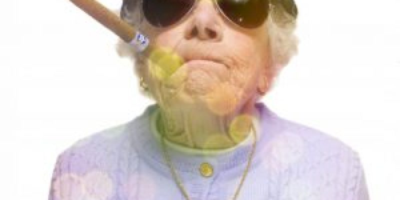 Никто не знает куда пойти работать пенсионеру-женщине — обычная пенсионерка из села стала особо опасной преступницей